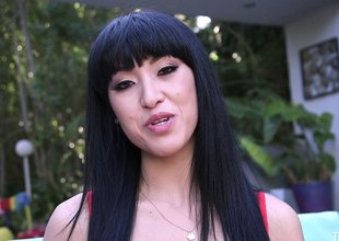 Hottest black-haired lady gives an adrenalizing blowjob treatment