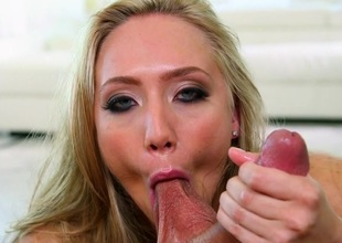 AJ Applegate devours a strong dick in POV
