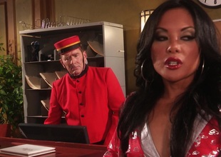 Oriental dark brown in nylons gets her anal plumbed hardcore in story clips
