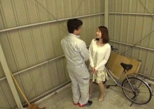Bike-riding Japanese beauty decides to engulf and to ride the dick