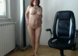 Mature and filthy Moldovan housewife is getting without control
