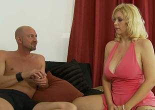 Hot blonde MILF Charlee Chase with huge tits and a sexy ass gets on all fours in the midst of the bed and gets her leaking wet cookie pounded hardcore style from behind. Charlee Chase gets doggystyled for your viewing fun