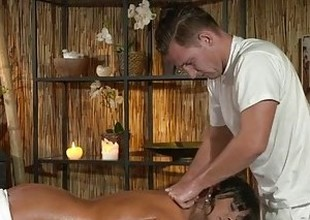 Massage Rooms Smutty cock hungry Milf gets the hard fucking that babe craved