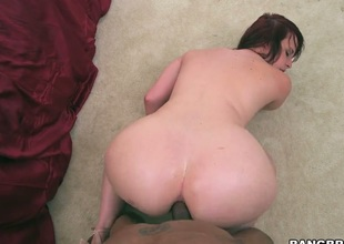 Brunette Virgo Peridot lets stud bang her hands hard with his nice meat pole